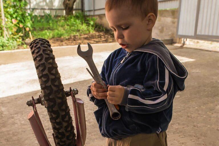 Można nawet… razem naprawić rower